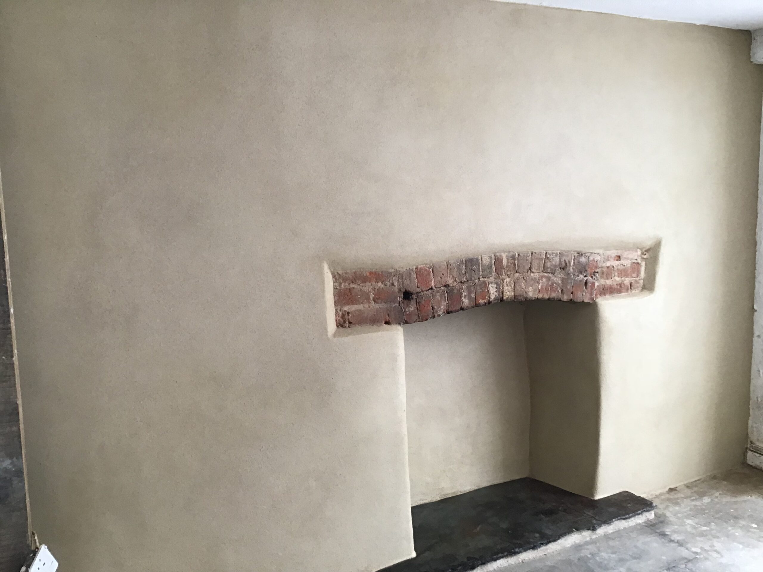 Lime Plastering and Lime Rendering
